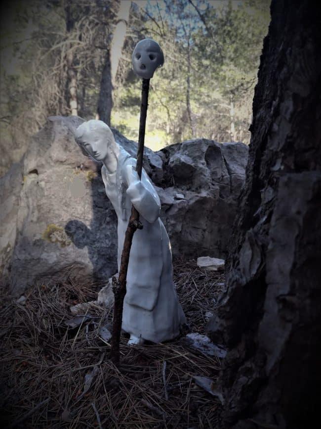 Vassilissa - Personnages en grès émaillé blanc brillant