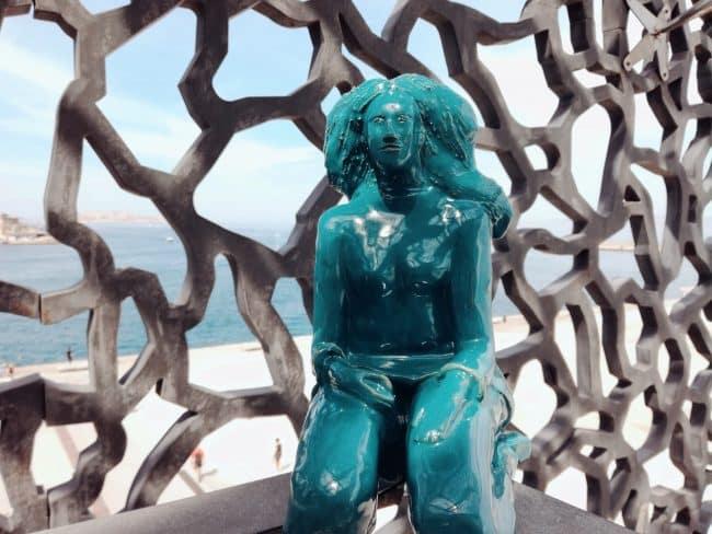 Isabelle- Modelage en grès émaillé bleu