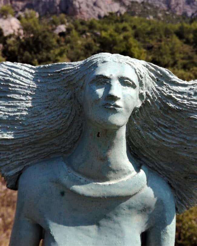 Personnage en grès émaillé - La Femme-Source