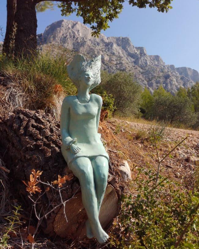 Liliya - Femme en grès émaillé